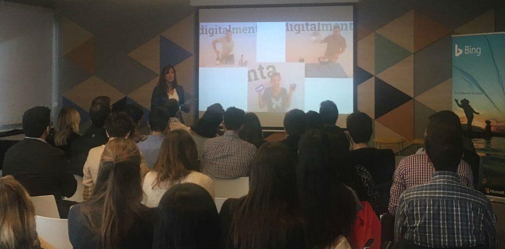Presentatie van Digital Menta Momenten voor het gesprek tijdens Bing Ads dag.